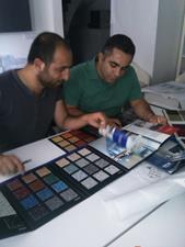 Abdullah Bey ve Hamza Bey'den hastane ve yurt projeleri hakkında bilgi alırken esnek zemin ve halı ürünlerimizi tanıttık.